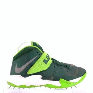 Nike LeBron James Men's Shoes Size 8.5